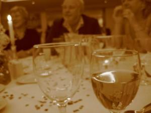 国際的なパーティーで日本在住の外国人女性(欧米人女性)と出会う方法