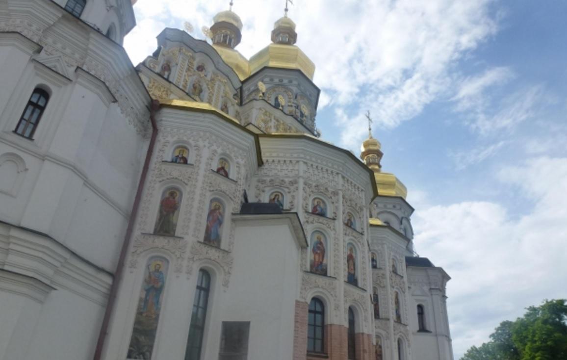 ウクライナ女性と出会う最も効果的な方法を紹介します!結婚願望の強いウクライナ女性と出会うには?