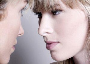 外国人女性の金髪は染めてる? 白人女性と金髪と欧米人の髪の色について